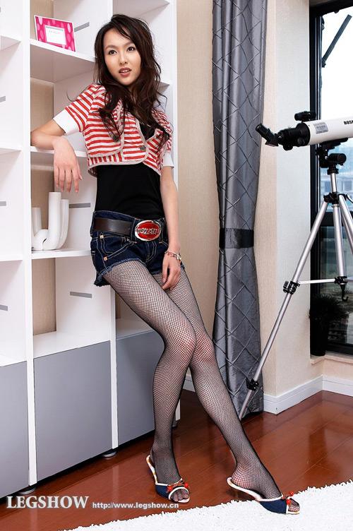 组图:唐嫣的无敌美腿秀+ 瘦身